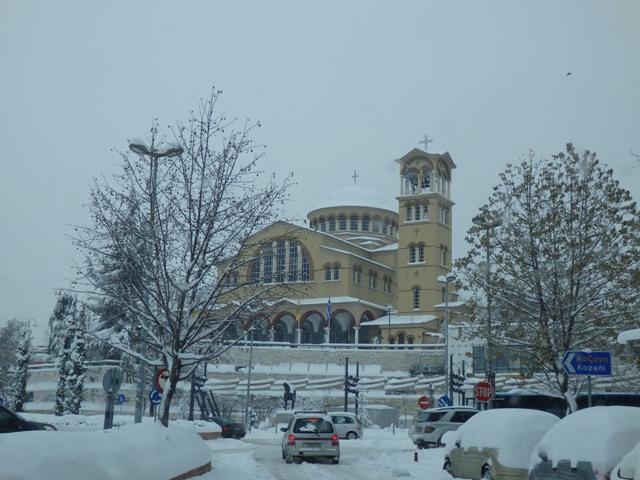 Ευλογείτε, πάχναι και χιόνες, αστραπαί και νεφέλαι τον Κύριον.Τον Κύριον υμνείτε, και υπερυψούτε εις πάντας τους αιώνας.(ΔΑΝΙΗΛ Γ΄,49) -15 Φωτογραφίες από τη χιονισμένη Λάρισα.